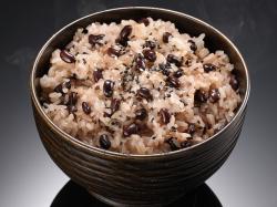 炊飯器で本格的なおこわが!無洗米赤飯おこわセットの料理例
